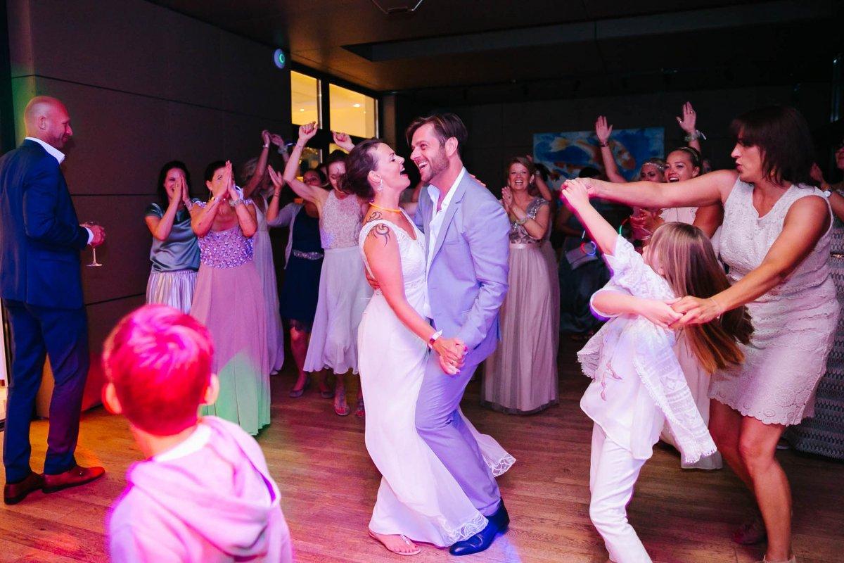 Hochzeit Burgenland Heiraten Yesbaby Fotografiefetz Rotenturm Koi Steiermark00036