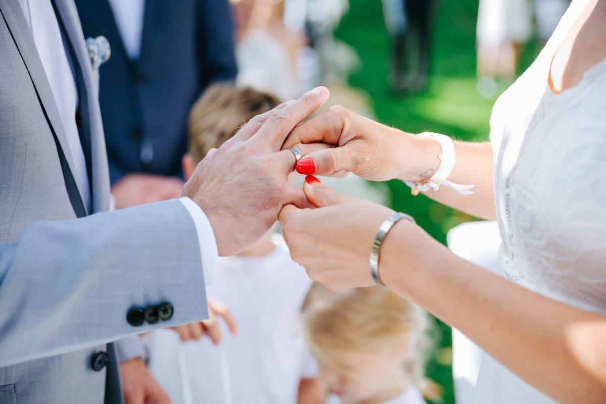Hochzeit Burgenland Heiraten Yesbaby Fotografiefetz Rotenturm Koi Steiermark00027